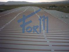 Kar yağışı ve sonraki erime, tekrar donma süreci tüm çatılarda çeşitli sorunlara neden olur. Olukların buzla bloke olması ve çatı örtüsünde eriyen karlar nedeniyle oluşan suyun çatı arasına dolması sonucunda çatı yalıtımının bozulması, ısı kayıpları, binada akıntılar, olukların, çatı örtüsünün ve dış cephe kaplamasının hasar görmesi gibi sorunlardan kaynaklanan yüksek maliyetlerle karşılaşılır. http://formmuhendislik.com/portfolio/cati-oluk-buzlanma-onleme/