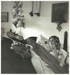 Photo by Bernice Kolko, Frida in her bedroom in the Casa Azul, 1952