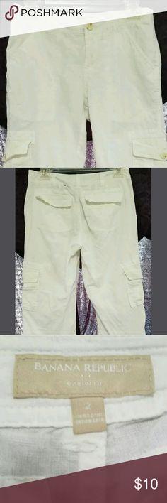 Banana Republic Cargo Capris Banana Republic cargo capris. women's size 2. white. drawstring legs. 6 pockets. 29x19 Banana Republic Pants Capris