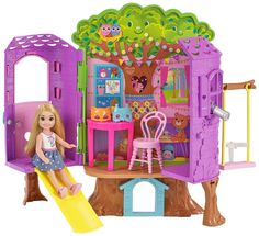 Check out the Barbie Club Chelsea Tree House at the official Barbie website. Explore the world of Barbie Chelsea today! Mattel Barbie, Barbie Sets, Barbie Dolls, Barbie Chelsea Doll, Club Chelsea, Doll Clothes Barbie, Barbie Stuff, All Toys, Barbie House