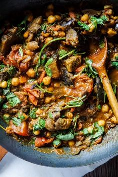 Indian Food Recipes, Vegan Recipes, Cooking Recipes, Ethnic Recipes, Eggplant Curry, Healthy Eggplant, Light Recipes, Kung Pao Chicken, Paella