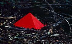 Lothar Baumgarten, Tetrahedron, Stacked Pigment, 1968. Courtesy Marian Goodman Gallery, New York and Paris