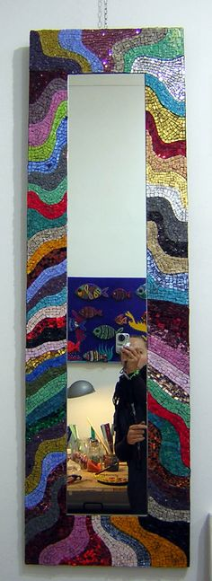 mirror Mosaic Wall Art, Mirror Mosaic, Glitter Furniture, African Crafts, Beautiful Mirrors, Mosaic Projects, Stained Glass, Anton, Painting