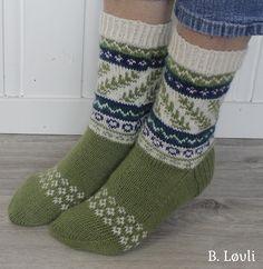 Ravelry: VårSprett pattern by StrikkeBea Knitting Socks, Knit Socks, Ravelry, Barn, Patterns, Fashion, Block Prints, Moda, Converted Barn