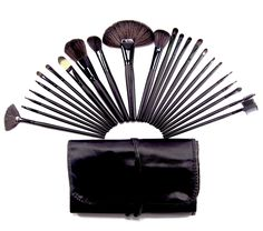 26 Piece Synthetic Makeup Brush Set in a Leather Case
