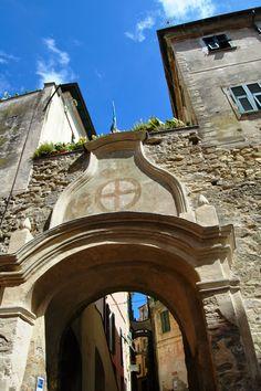 Bordighera (IM), centro storico del Paese Alto (o Vecchio), Porta Sottana