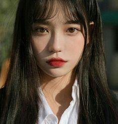 Image may contain: one or more people and closeup Korean Makeup Look, Asian Makeup, Korean Natural Makeup, Korean Girl Photo, Cute Korean Girl, Aesthetic People, Aesthetic Girl, Korean Beauty Girls, Asian Beauty