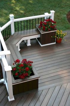 55 creative deck ideas beautiful outdoor deck designs to try at home 49 Diy Garden Projects, Diy Garden Decor, Garden Ideas, Creative Deck Ideas, Deck Planters, Balustrades, Patio Layout, Design Jardin, Farmhouse Garden