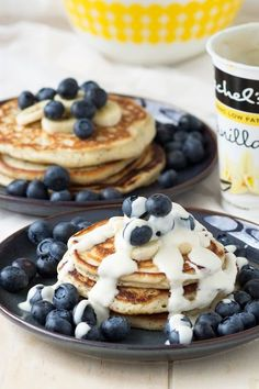 Absolutely delicious Vanilla Yogurt Pancakes! These breakfast pancakes are made with low fat vanilla yogurt. I also add a bit of poppy seeds to give them a bit of extra health boost. Easy to make. Get the recipe on www.theworktop.com. || #breakfast #brunch #pancakes