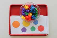 Teddy bear tot tray with printable.