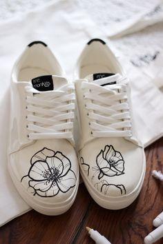 Custom Painted Shoes, Custom Shoes, Sneakers Mode, Custom Sneakers, Vans Customisées, Converse, Womens Fashion Sneakers, Fashion Shoes, Sharpie Shoes