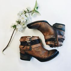 These freebird boots are easy to choose just like Sunday morning!  #freebird #boots #dearlucy