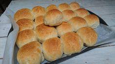 i pani morbidissimi con metodo tang zhong sono dei panini davvero soffici, con una crosticina sottile e croccante ideale ad essere farciti