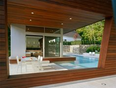 Swimming Pool House by Hariri & Hariri Architecture