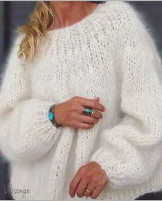 Fashion Moda, Knit Fashion, Look Fashion, Fashion Outfits, Knit Sweater Outfit, Mohair Sweater, Hand Knitting, Knitting Patterns, Knitting Sweaters