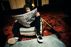 This Danny Clinch photograph of Bob Dylan inspired recent shot of @Roem Baur Baur in my living room.
