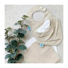 ••• Gender Neutral ••• How beautiful is this linen gift set! Perfect for a baby shower or gender neural baby gift