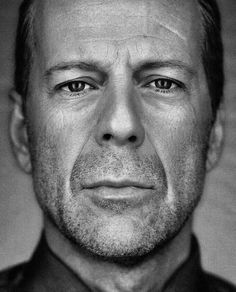 Walter Bruce Willis (born March is an American actor, producer, and singer. His talent became known to millions as David… Famous Portraits, Celebrity Portraits, Bruce Willis, Hollywood Actor, Hollywood Stars, Foto Face, Black And White Portraits, Interesting Faces, Male Face