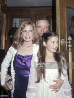 Actor Jack Lemmon, wife Felicia Farr and daughter Courtney Lemmon attend the 1980 American Movie Felicia Farr, Jack Lemmon, Prom Dresses, Formal Dresses, Old Hollywood, All Star, Daughter, February 8, Actors