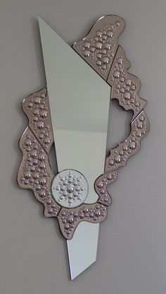 Mirror Mosaic, Mirror Art, Mosaic Art, Fancy Mirrors, Living Room Decor Cozy, Wall Clock Design, Stained Glass Lamps, Venetian Mirrors, Metal Crafts