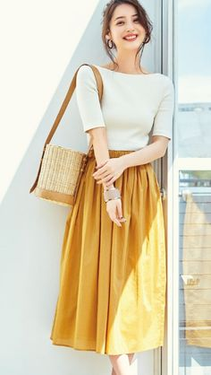 Pin by 隠れ家 on Japanese actress Modest Outfits, Simple Outfits, Classy Outfits, Skirt Outfits, Casual Outfits, Japanese Fashion, Asian Fashion, Look Fashion, Girl Fashion