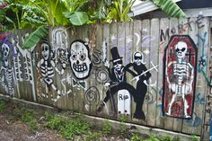 New Orleans Voodoo Alley. I could decorate my fence like this for Halloween!