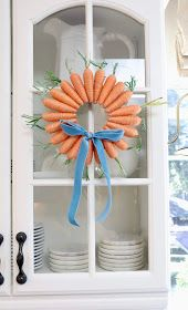 My Sweet Savannah: DIY Easter carrot wreath Spring Projects, Easter Projects, Easter Crafts For Kids, Spring Crafts, Diy Projects, Easter Ideas, Easter Art, Bunny Crafts, Easter Activities