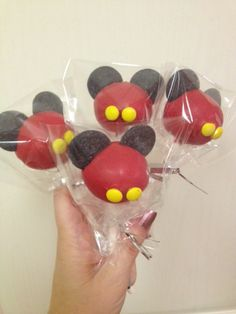 The Mouse themed cake pops