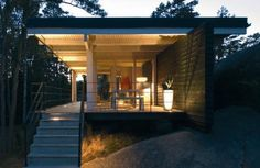 Image 4 of 36 from gallery of Seaside Cottage / Sigge Arkkitehdit Oy. Photograph by Vesa Loikas Modern Cottage, Cottage Living, Coastal Cottage, Villa Am Meer, Simple House Design, Weekend House, Wood Architecture, New Home Designs, Modern Exterior