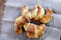 Horn med eple- og mandelfyll Pretzel Bites, Bread, Baking, Food, Brot, Bakken, Essen, Meals, Breads