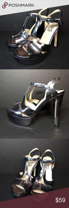 New Michael Kors Platinum Platform Pumps Heels New Michael Kors Platinum Platform Pumps High Heels Women's Size 7.5 Michael Kors Shoes Platforms