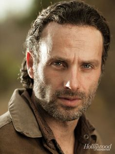Andddddd you've just been eyefucked by Rick Grimes #TheWalkingDead