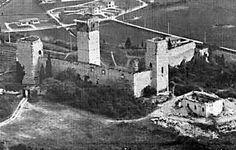 Castello di Montorio anni 70.jpg