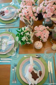 Mesa Posta Páscoa - Azul e Rosa Produção: Silvia Giacobbe / Fotografia Rafaela Azevedo