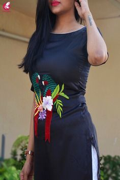 Long Dress Design, Dress Neck Designs, Designs For Dresses, Kurti Embroidery Design, Embroidery Suits, Indian Designer Outfits, Designer Dresses, Bridal Anarkali Suits, Beautiful Casual Dresses