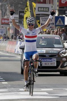 British National Champion jersey - Lizzie Armitstead www.cyclingnews.com