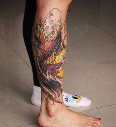 Awesome Koi Fish Tattoo Designs, Ideas Design Trends koi tattoo design - Tattoos And Body Art Pez Koi Tattoo, Koi Tattoo Sleeve, Carp Tattoo, Leg Tattoo Men, Tattoo On, Leg Tattoos, Body Art Tattoos, Tattoos For Guys, Tattoo Ribs