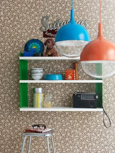 Simple and sweet kitchen shelves.  Mod light fixtures!!