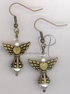 Angels Wings ~  Swarovski Creamy White Pearl Antiqued Gold  Heart Earrings Creamy White, Heart Of Gold, Bead Earrings, Pearl White, Antique Gold, Beading, Angels, Swarovski, Wings