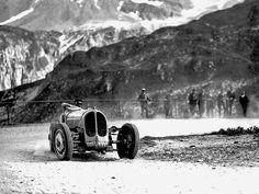 """luimartins: """" Achille Varzi Bugatti Type 53 Klausenrennen 1932 """""""