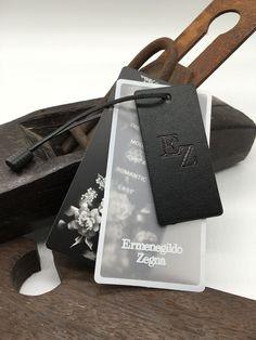 Id Design, Label Design, Print Packaging, Jewelry Packaging, Packaging Design, Price Tag Design, Paper Carrier Bags, Banner Design Inspiration, Dog Branding