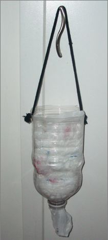 How to make bag holders from a bottle, or recyclable other objects. #repurpose #recycle #upcycle