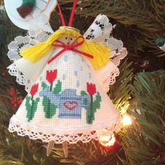 Cross stitch clothes pin angel