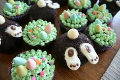 "Easter cupcakes inspired by the ""Hello Cupcake!"" book - I love those bunny bums! (no recipe or instructions)"