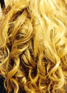 Close up curls achieved with Wahl Curling Wand