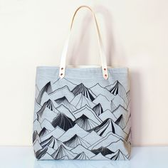Mountain Carry All Tote