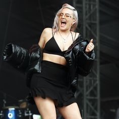 Well yesterday was a dream. @vfestival V FESTIVAL -Chelmsford I had THE BEST time. ❤️❤️❤️ Anne Marie Album, Anne Marie Duff, Anne Maria, I Love You Girl, Female Singers, Hollywood Celebrities, Stylish Girl, Woman Crush, Beautiful Celebrities