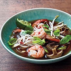 Spicy Shrimp Noodle Soup - Quick and Easy Soups and Stews for Dinner Tonight - Cooking Light Mobile Seafood Recipes, Soup Recipes, Cooking Recipes, Cooking Tips, Korma, Biryani, Shrimp Noodles, Rice Noodles, Dinner Ideas