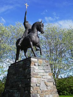 Norway, Nord Trondelag, Stiklestad, Statue of St Olav Stiklestad is the battlefield where King Olav Haraldsson fell 29 July 1030, and he became known as St Olav The battle of Stiklestad represents the introduction of Christianity in Norway