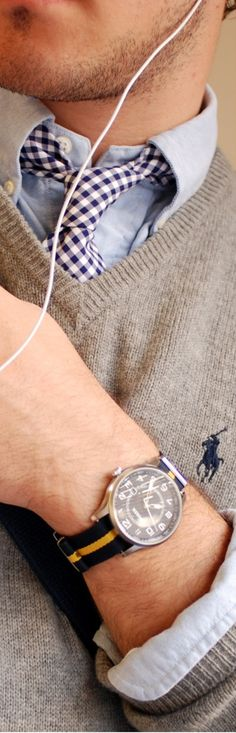 The 'preppy' look. I might have gone with a different watch though. The & # preppy Moda Preppy, Preppy Look, Preppy Mens Fashion, Boy Fashion, Fashion Outfits, Fasion, Ivy Style, Cool Style, Style Men